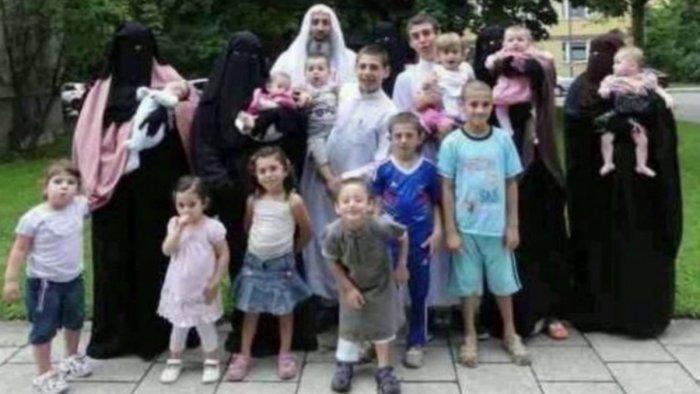 syrische Großfamilie.jpg