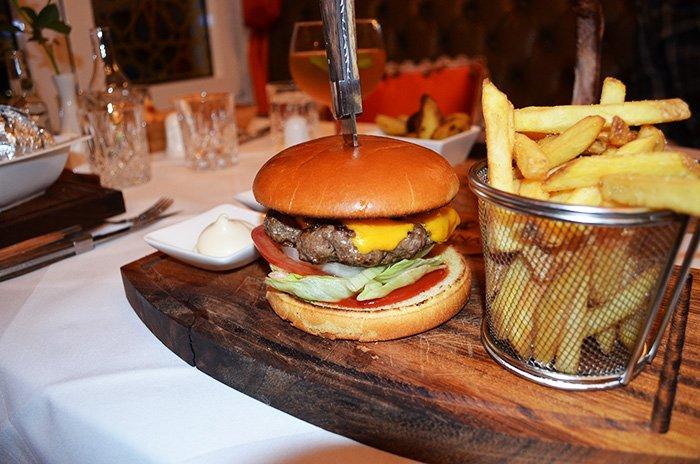 medina_steakhouse3.jpg.d7c9e0a61a9e843ba8550afd72c8315c.jpg