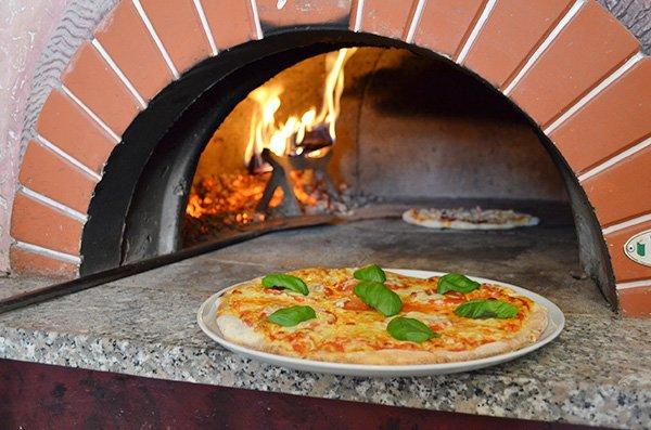 pizza-tomate2.jpg.2c20bdc7a507ed6bdddaa75f1ab8cb83.jpg